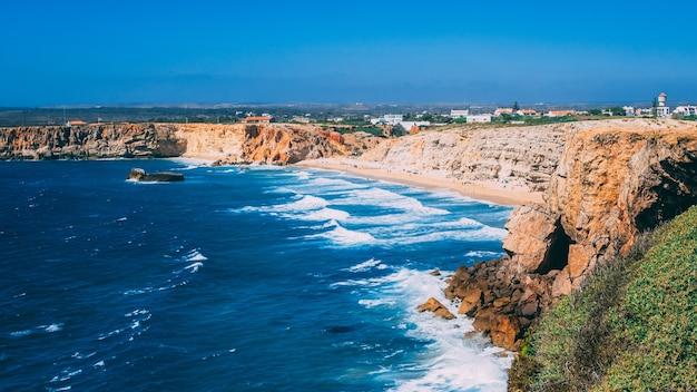 Belle photo de la forteresse de sagres au portugal