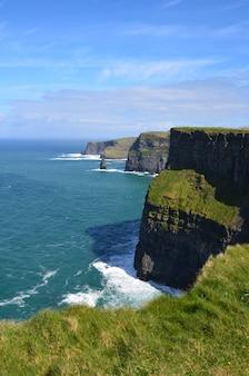 Belle photographie irlandaise des falaises de moher