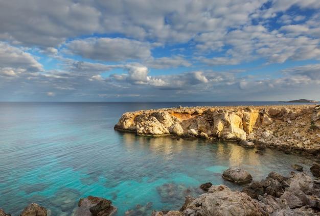 Belle plage dans le nord de chypre