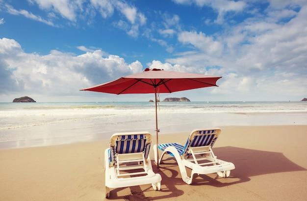 Belle plage de l'océan, filtre instagram