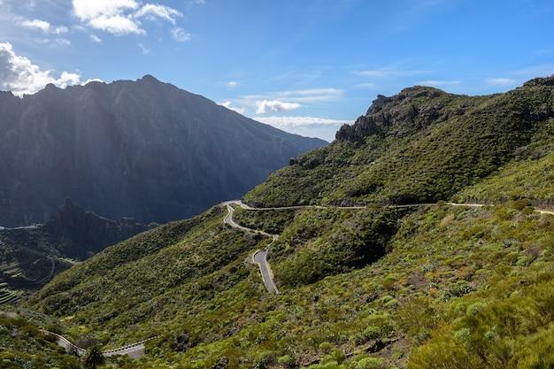 Belle route dans les montagnes. masca ténérife.