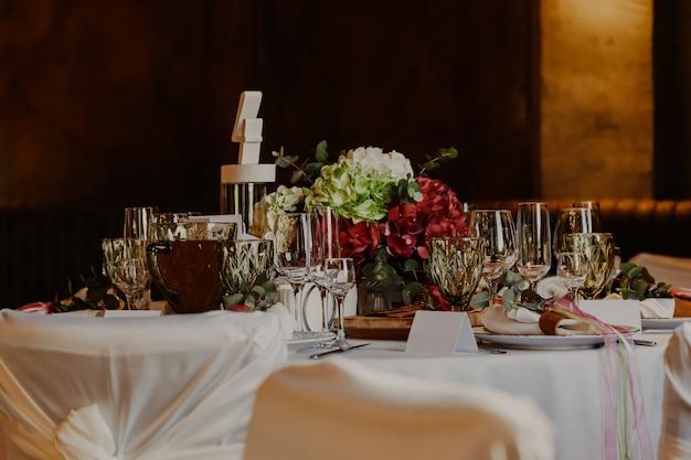 Belle table décorée