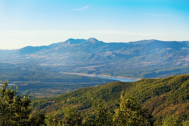 Belle vue sur une colline dans le spinoso, basilicate, italie