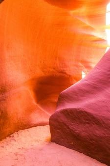 Belle vue sur les formations de grès antelope canyon dans le célèbre parc national navajo tribal près de page, arizona, usa