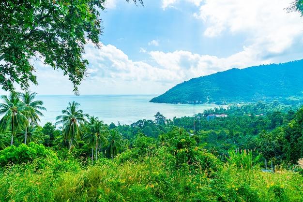 Belle vue sur la mer sur l'océan au point de vue de naern thae wada à nakhon si thammarat, thaïlande