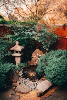 Belle vue sur la nature envoûtante dans les jardins japonais de style traditionnel adelaide himeji