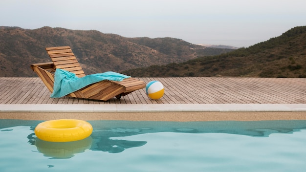 Belle vue naturelle et piscine
