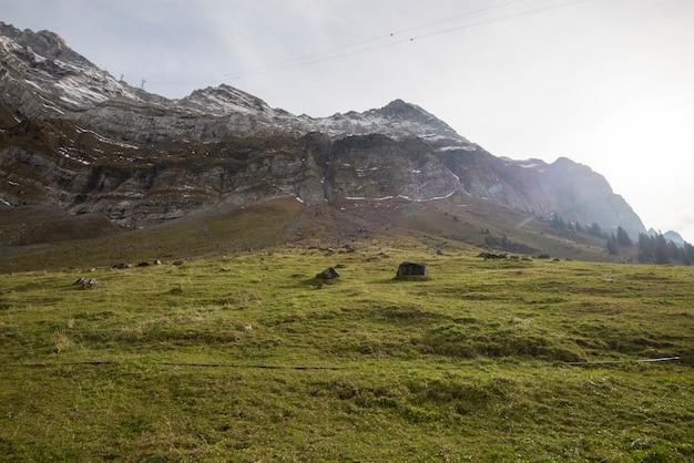 Belle vue sur la vallée de la montagne saentis, suisse