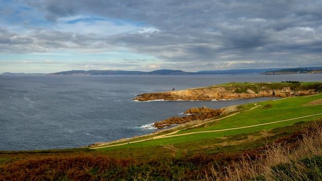 Belle vue sur la ville portuaire de corogne en galice, espagne