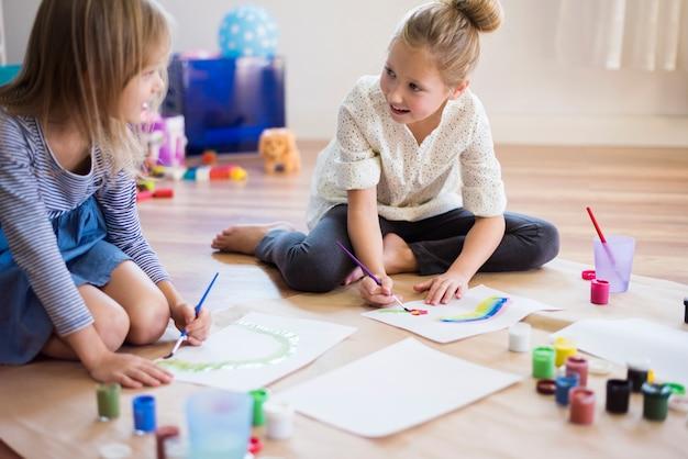 Belles peintures réalisées par des petites filles