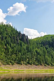 Belles rivières sibériennes. tunguska. territoire de krasnoïarsk.