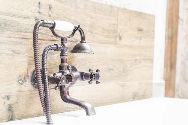 Belles robinets vintage
