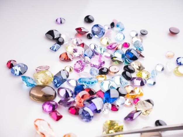 Bijou ou gemmes collection pierres précieuses naturelles