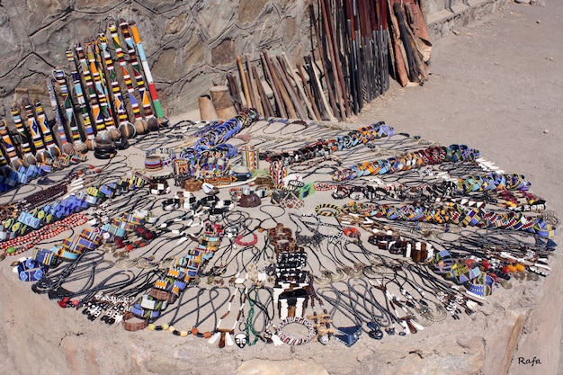 Bijoux artisanaux maasaï et décoration ethnique