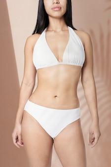 Bikini dos nu femme blanc