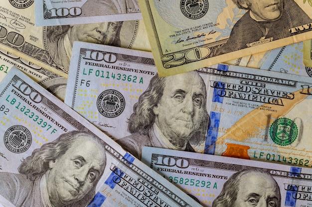 Billets de banque américains en dollars faisant partie du système commercial et économique mondial