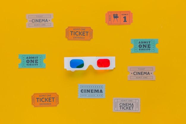 Billets de cinéma et lunettes 3d