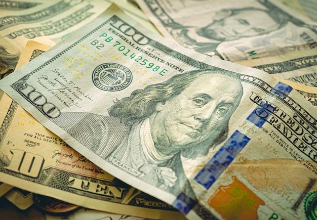 Billets en dollars américains dans la photographie en gros plan