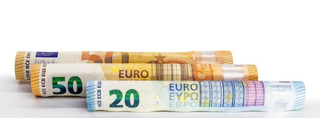 Billets en euros roulés dans un tube de l'argent de l'union européenne