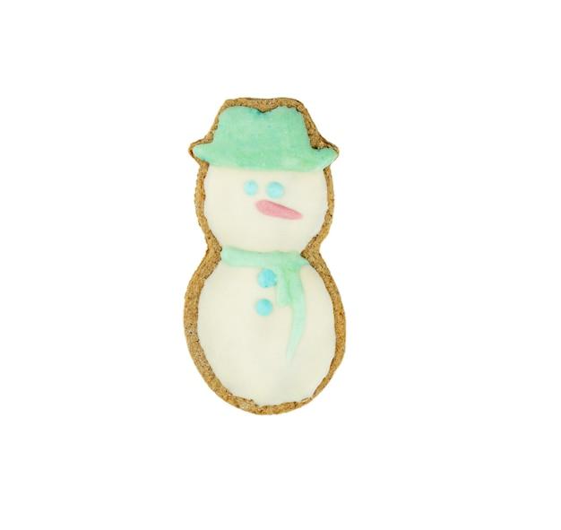 Biscuit de noël de pain d'épice sur un fond blanc isolé. nouvel an, fait maison. photo de haute qualité