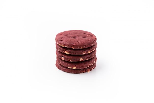 Biscuit rouge sur blanc isolé