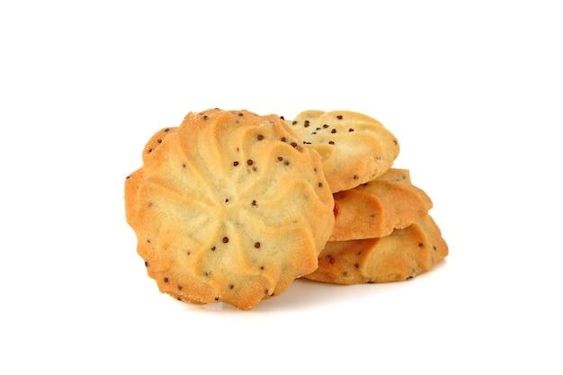 Biscuits au beurre sur fond blanc