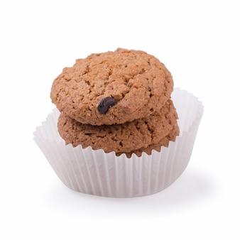 Biscuits au chocolat isolés sur fond blanc
