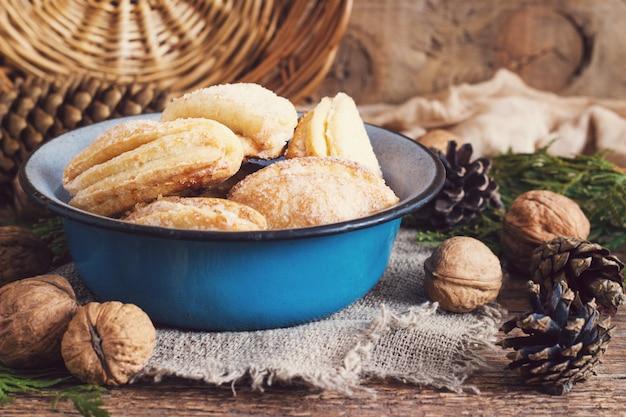 Biscuits au fromage cottage et au sucre