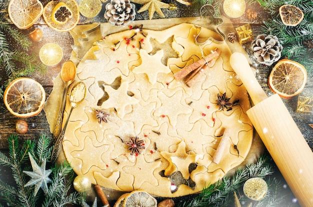 Biscuits au gingembre. fond de noel