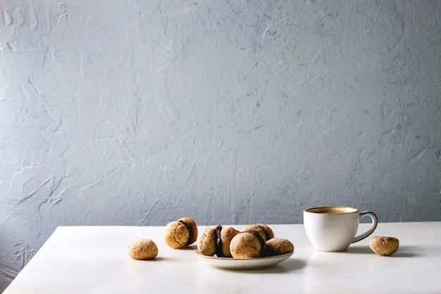 Biscuits aux noisettes baci di dama