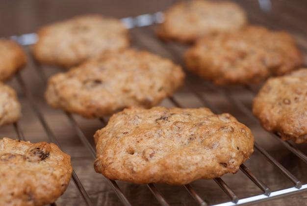 Biscuits à l'avoine faits maison, dessert sain.