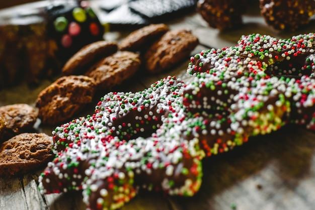 Biscuits et biscuits au chocolat pour les fêtes et les vacances.