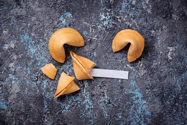 Biscuits chinois traditionnels avec prédiction