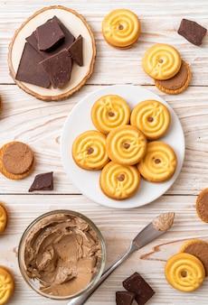 Biscuits à la crème au chocolat