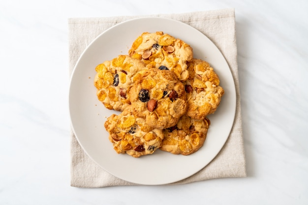 Biscuits faits maison aux raisins secs et aux amandes