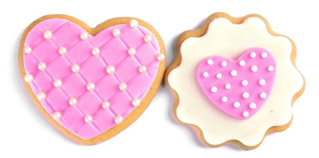 Biscuits en forme de coeur pour la saint-valentin isolés sur blanc