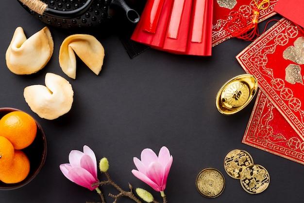 Biscuits de fortune et magnolia nouvel an chinois
