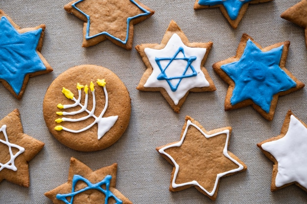 Biscuits de hanukkah traditionnels à plat