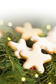 Biscuits de noël (forme d'étoiles)