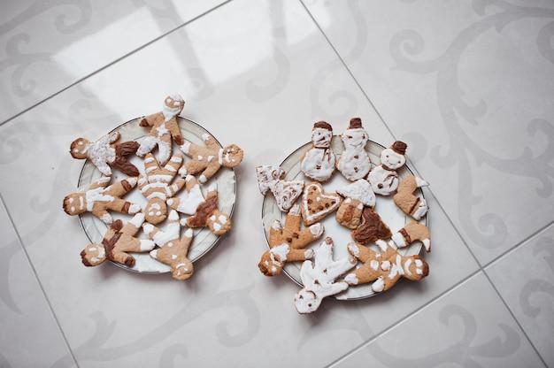 Biscuits de pain d'épice ou biscuit de noël se bouchent