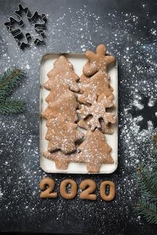 Biscuits de pain d'épice de vacances de noël
