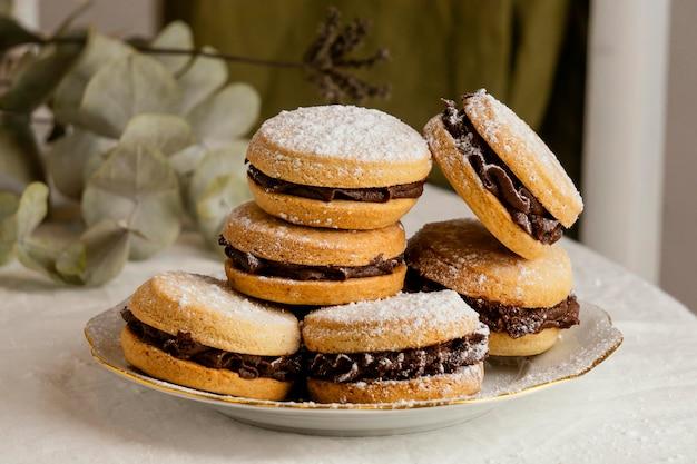 Biscuits savoureux à la crème au chocolat