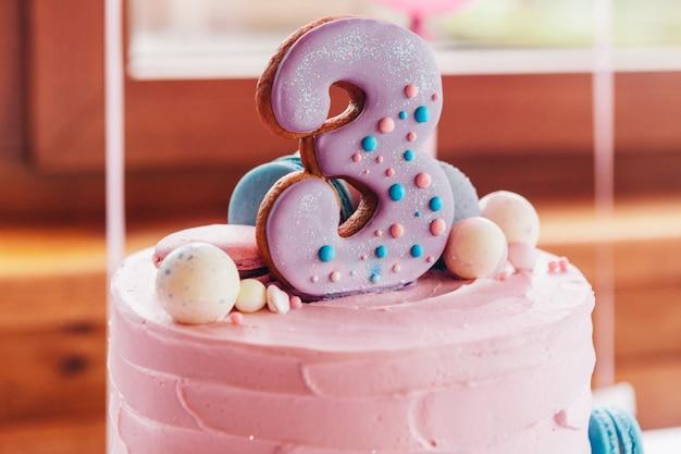 Biscuits sucrés et gâteaux pour les anniversaires d'enfants
