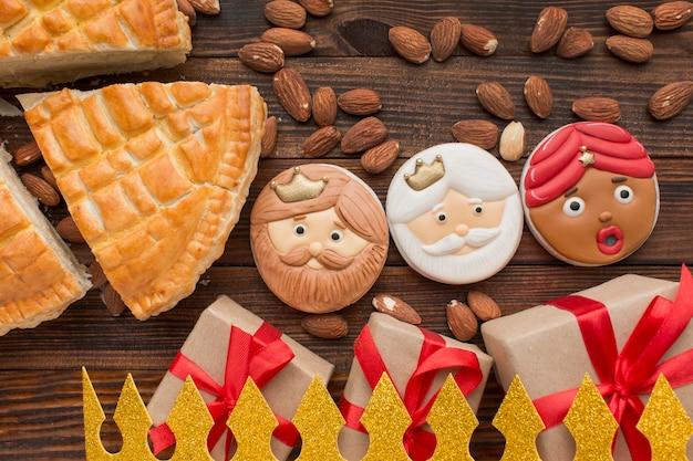 Biscuits et tarte au dessert epiphany