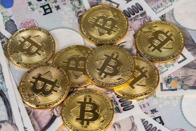Bitcoin sur des billets de banque japonais (yen)