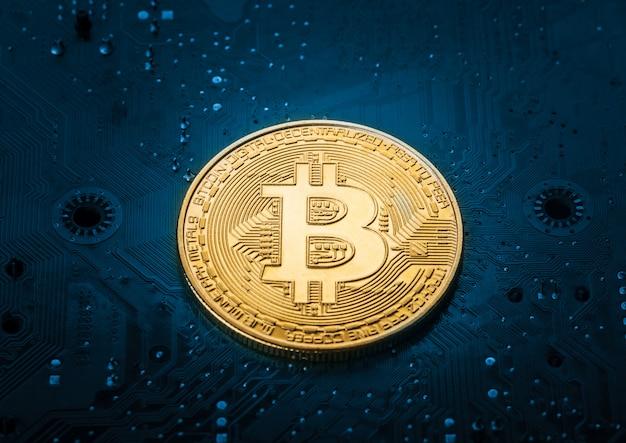 Bitcoin sur la carte mère de l'ordinateur