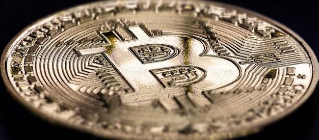 Bitcoin, Crypto-monnaie Décentralisée, étant Une Monnaie électronique Pour Les Transactions Point à Point Photo Premium