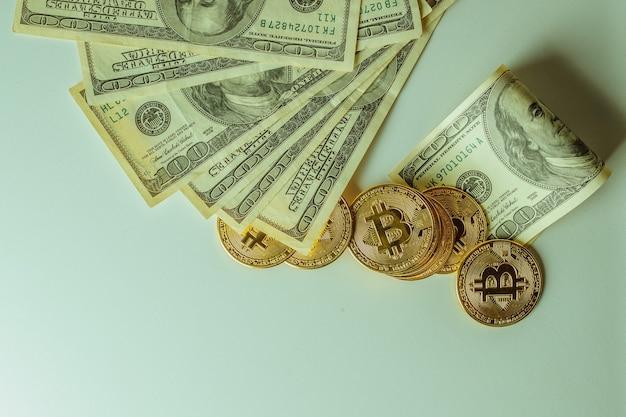 Bitcoin et dollars. la nouvelle monnaie du futur.