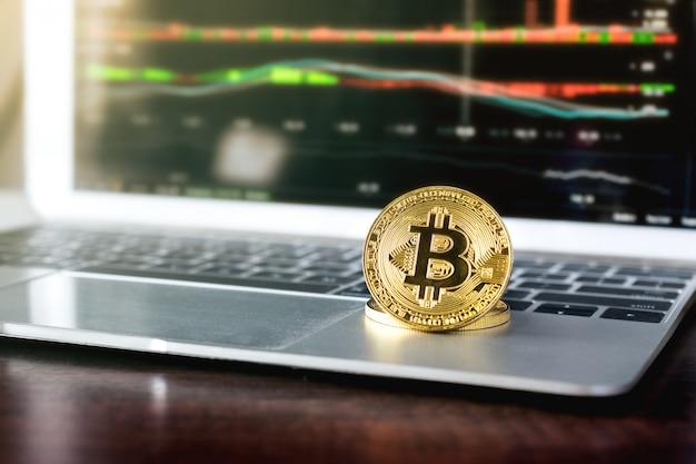 Bitcoin doré pièce crypto concept de fond de devise.