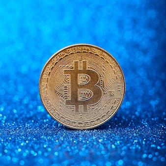 Bitcoins avec graphique graphique en chandelle et numérique